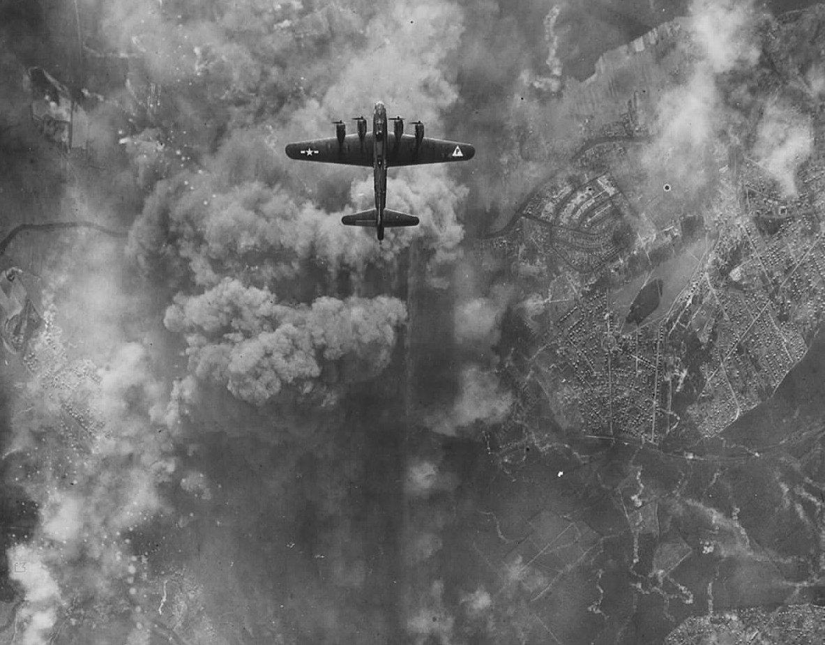 B-17 #42-31484 / Mairsy Doats
