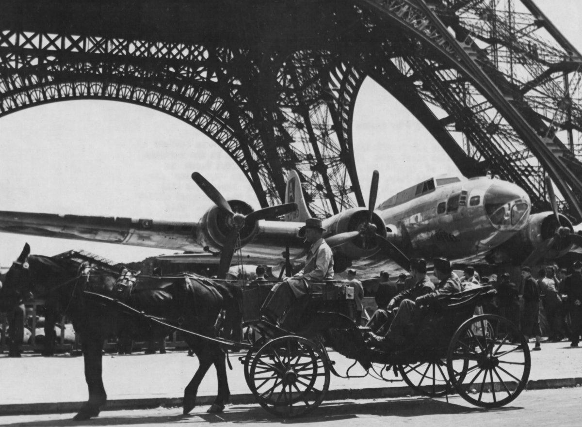 B-17 #42-107180 / Lucky Rebel aka Eagle's Wrath