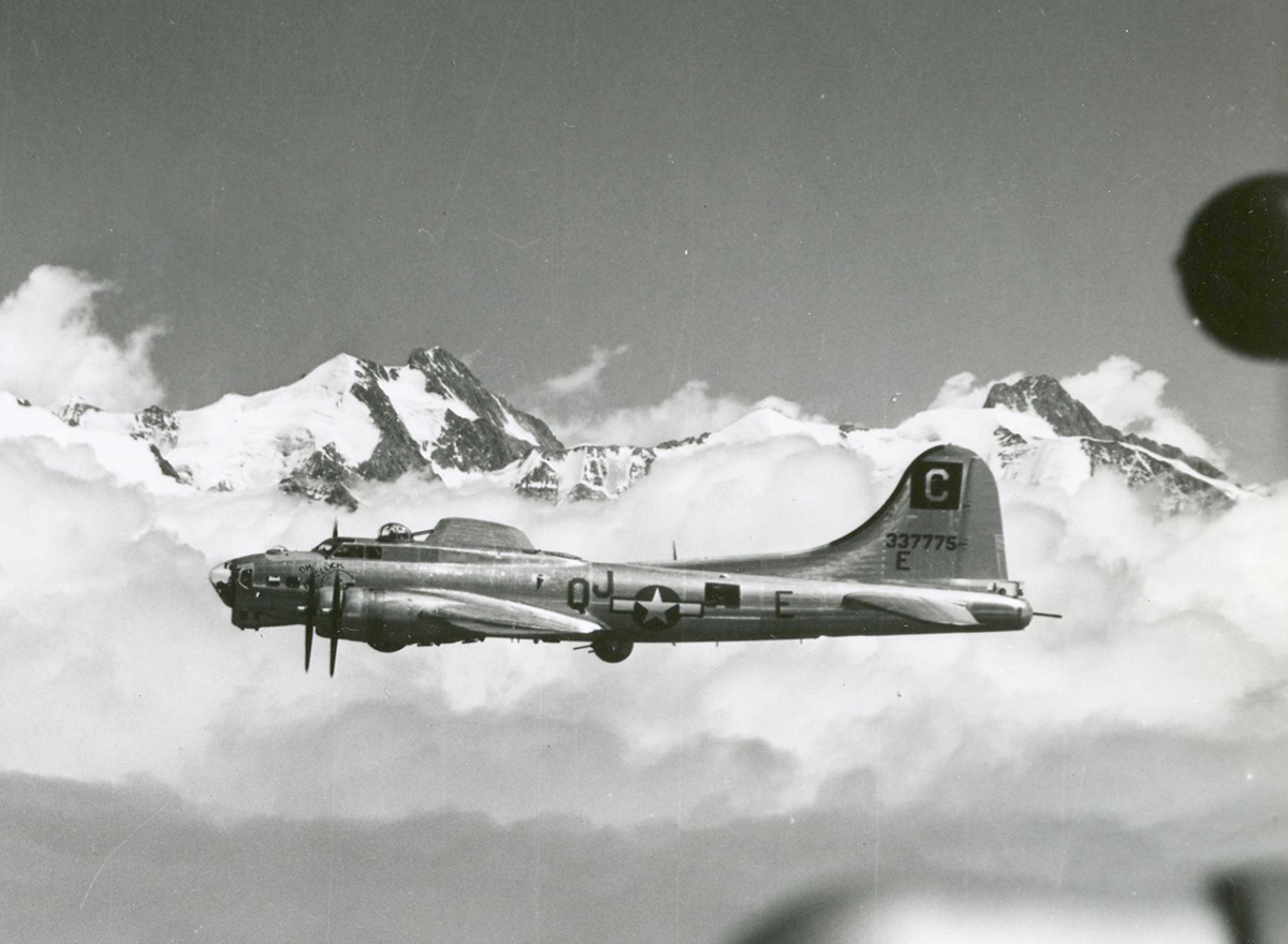 B-17 #43-37775 / Oh! Hard Luck