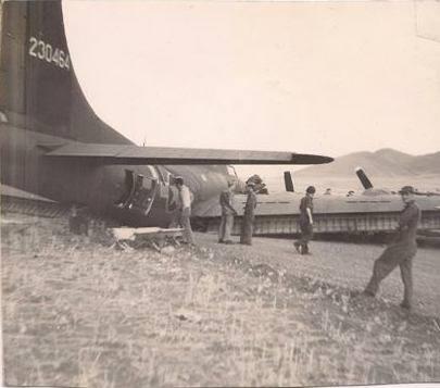 B-17 #42-30464 / Little Minnie II