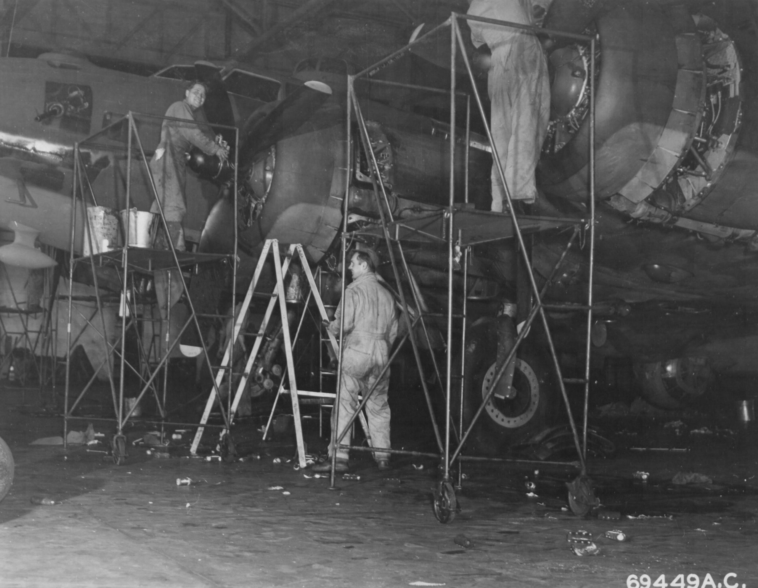 B-17F der 91st Bomb Group – Nose Art übermalt